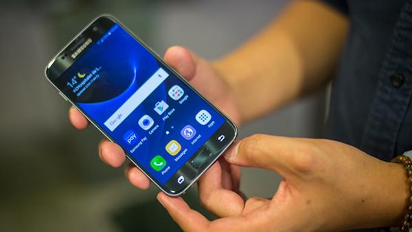 Màn hình Samsung S7 nhấp nháy
