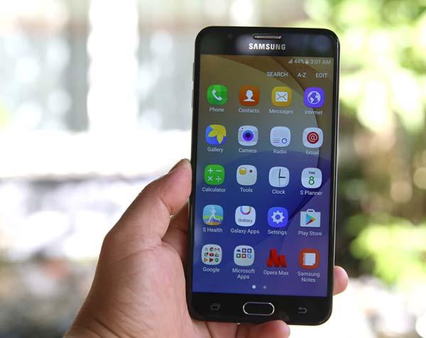 Samsung J7 Prime bi tat nguon dot ngot