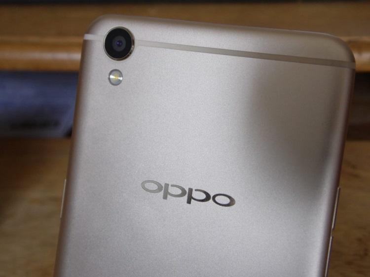 Lỗi phải thay màn hình Oppo F1 Plus để khắc phục lỗi