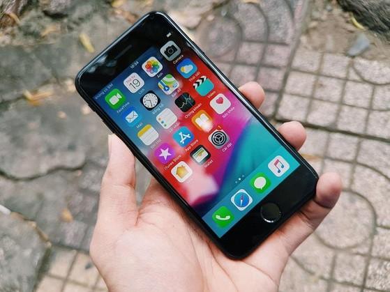 Camera trước iPhone 7 bị ngược