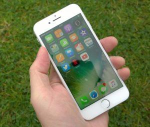 Cách kiểm tra pin iPhone 7 sạc được bao nhiêu lần?