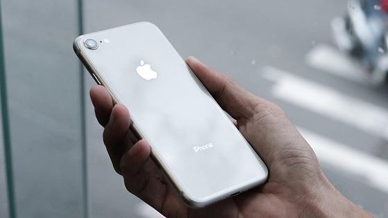 Biểu hiện cần thay pin iphone 8