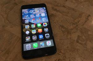 Camera trước iPhone 7 Plus không lấy nét được