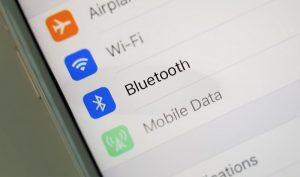 Tắt rồi bật lại kết nối Bluetooth trên iphone 7 plus