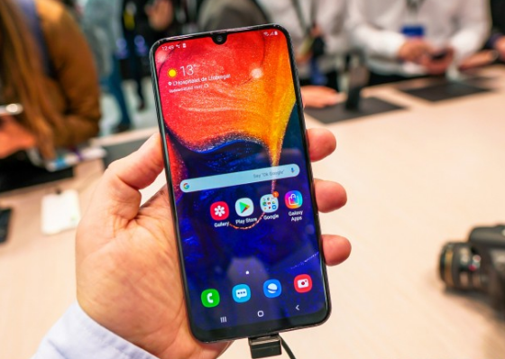 samsung a30 bi nong may