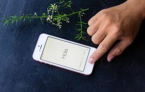 Khởi động lại iPhone 7 Plus