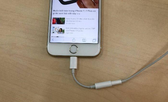 cách sửa tai nghe iPhone bị hư 1 bên