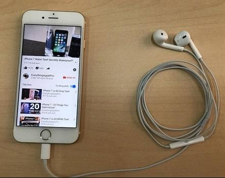 Nguyên nhân tai nghe iPhone bị hư một bên