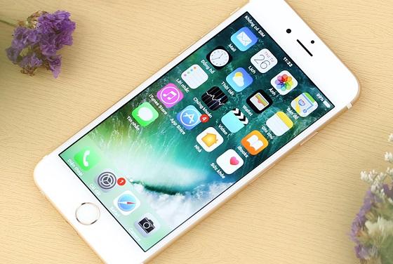 Tại sao sạc iPhone vào điện nhưng không lên pin?