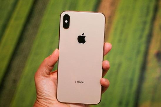 Cách xử lý tình trạng sạc iPhone vào điện nhưng không lên pin