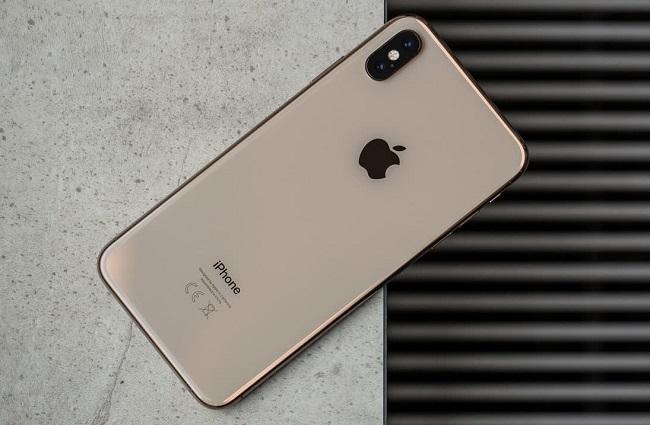 Nên làm gì khi iPhone không nhận sạc dự phòng