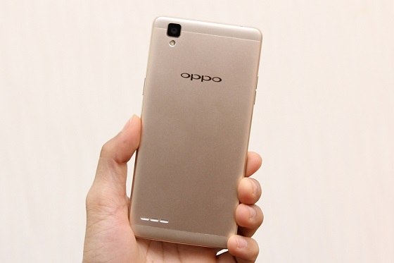 Nguyên nhân nào khiến màn hình Oppo F1 bị đơ?