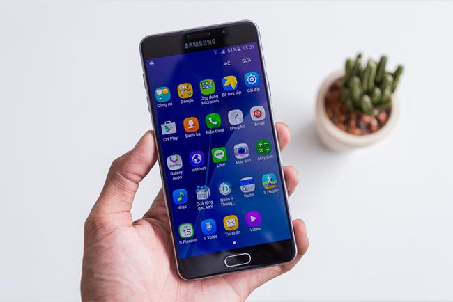 Những điều cần làm khi Samsung A7 2016 bị vỡ mặt kính