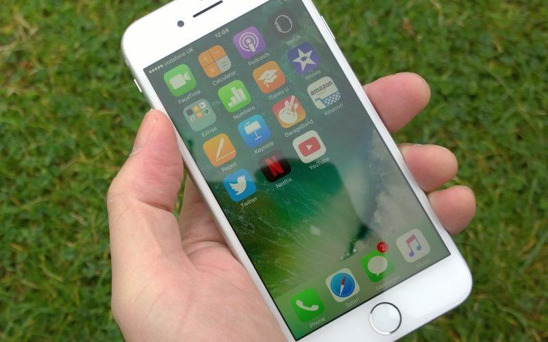 Camera trước iPhone 7 bị ngược, biện pháp nào xử lý?